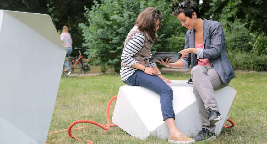Parázs 2.0 - smart, furniture, design, renewable energy